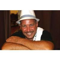 Armando Cornell Descarga